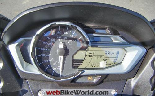 bmw-c-600-sport-dashboard.jpg